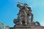 Фрагмент скульптурной композиции на президенстском дворце Чехии
