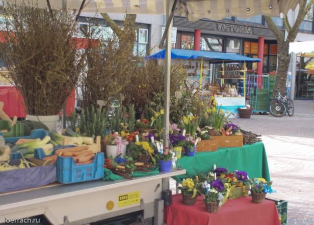 Весенний рынок города Лёррах